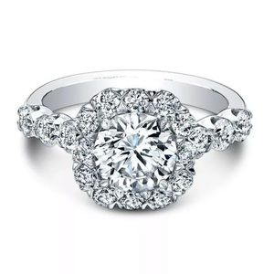 Jewelry - Gorgeous round cut white sapphire ring